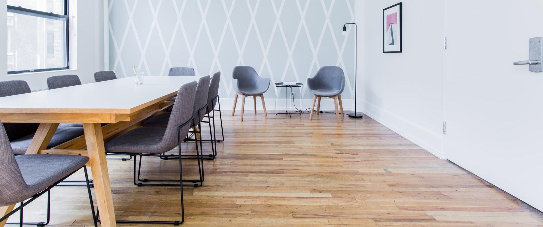 Salle de réunion cosy pour 10 personnes