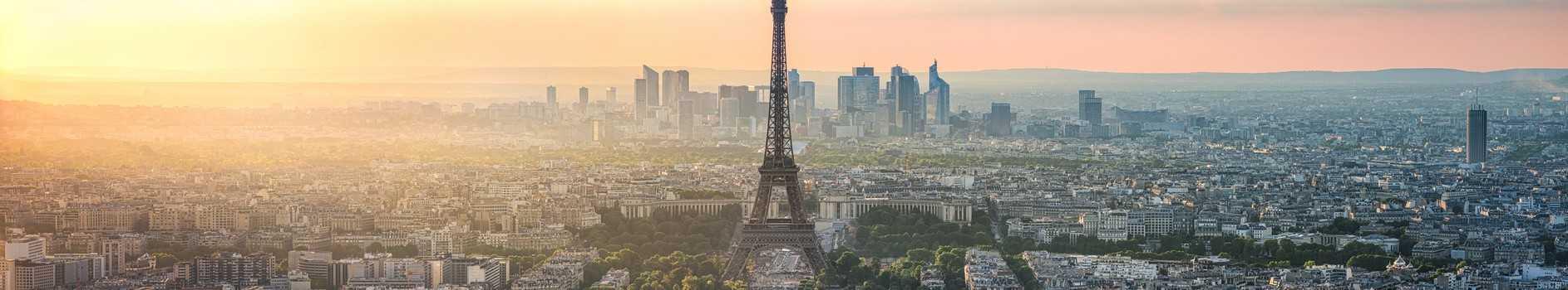Paris et tour eiffel vue du ciel