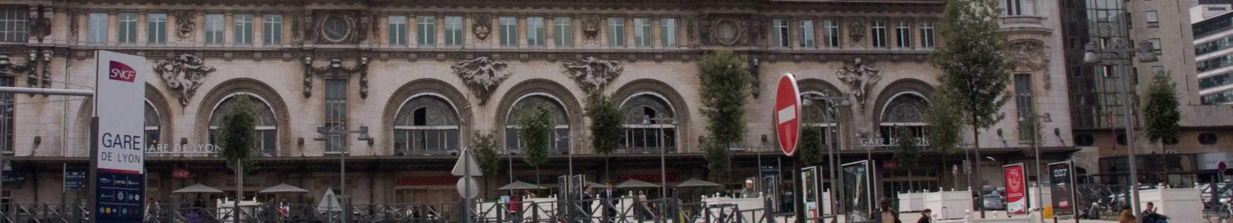 Vue de face de la Gare de Lyon