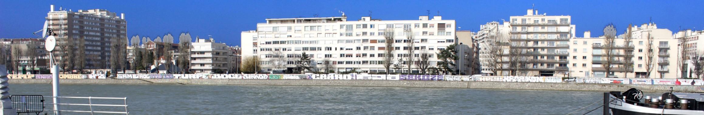 Vue de Levallois-Perret depuis le canal