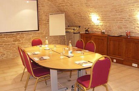 salle de réunion de l'hôtel wilson à Dijon