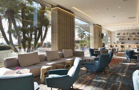 L'intérieur lumineux du Radisson Blu Hôtel de Nice