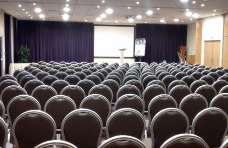 Salle de conférence de l'hôtel Mercure Tours Nord