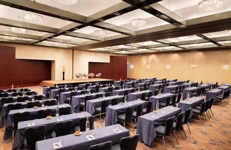 Grande salle de séminaire à l'hôtel Hyatt Regency près de l'aéroport CDG