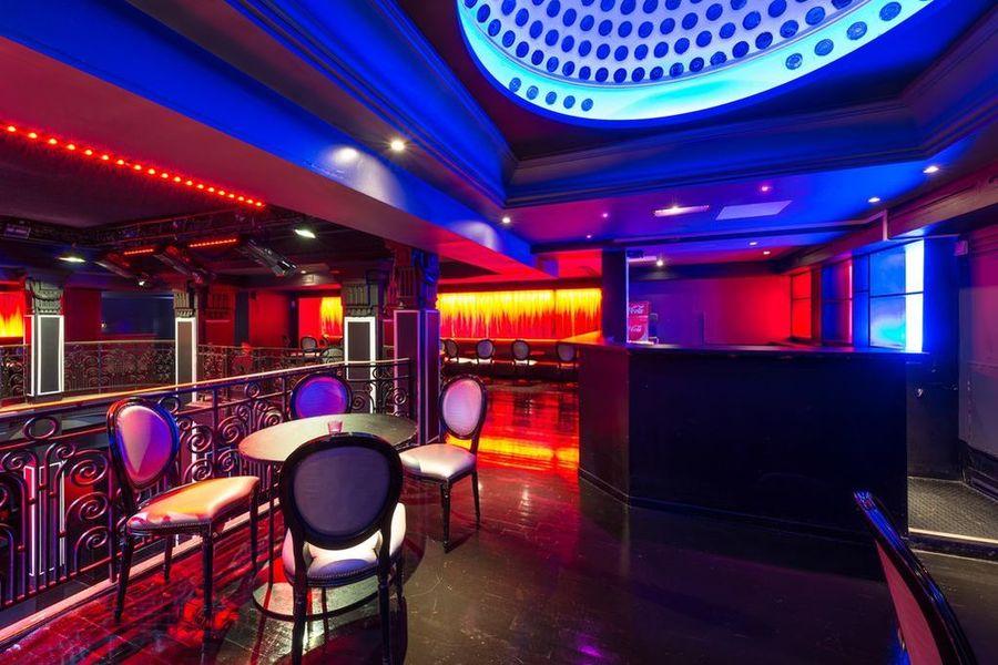 Club Haussmann - Mezzanine 4