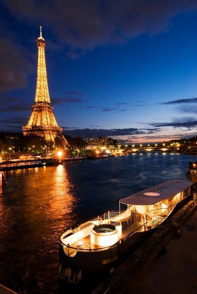 Yatch Joséphine - Vue sur la Tour Eiffel 1