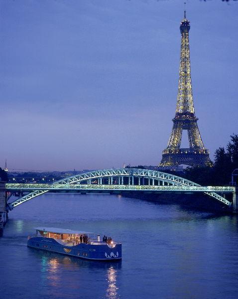 Yatch Josephine - Vue sur la Tour Eiffel 2