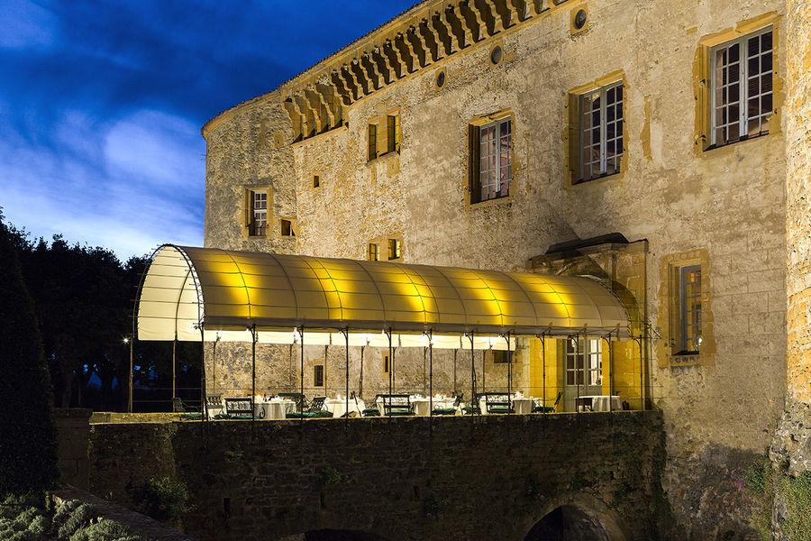 Château de Bagnols - Terrasse couverte 1
