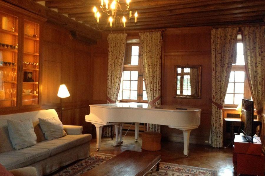 Château de la Cour Senlisse - Salon Piano