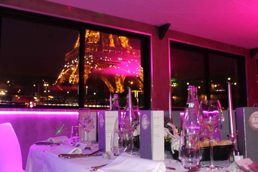 VIP Paris Yatch Hôtel - Vue sur la Tour Eiffel