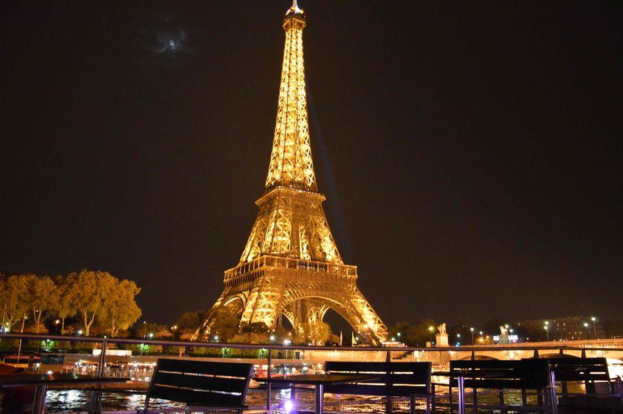 VIP Paris Yatch Hôtel - Vue sur la Tour Eiffel 3