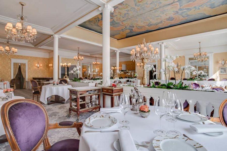 Restaurant Lasserre - Salle Principale 6