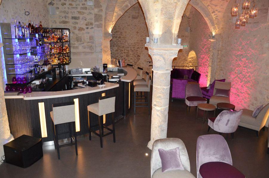 Aux Vieux Remparts - Lounge Bar