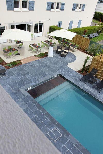 Best Western The Wish Versailles - Vue sur la terrasse et la piscine