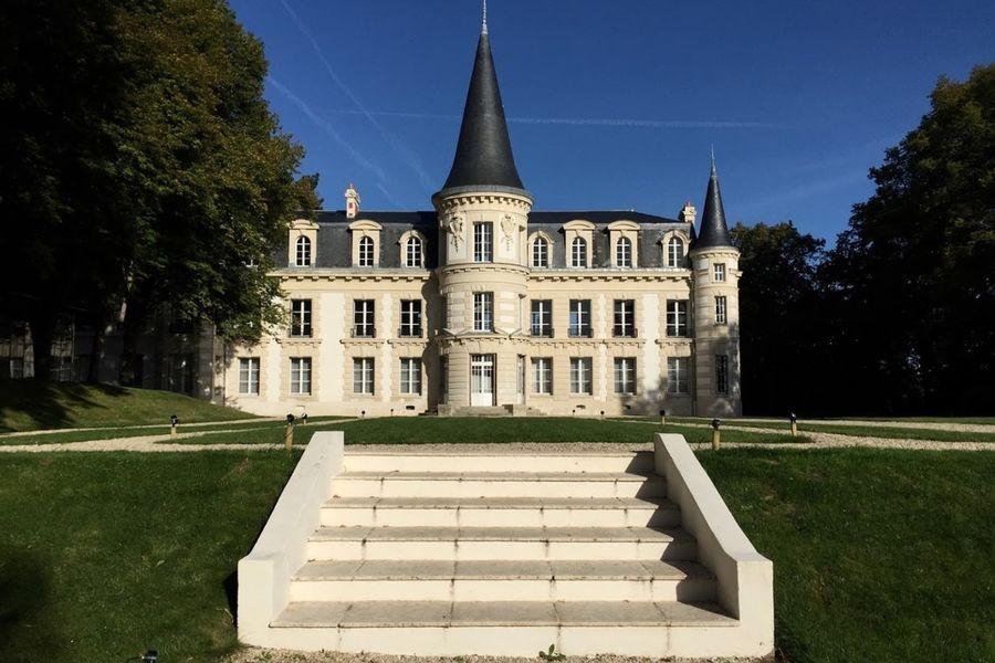 Château d'Hardricourt - Le Château 4