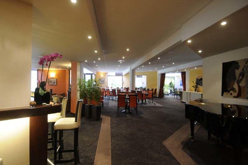 Best Western Plus Maurepas Saint-Quentin - Bar 2
