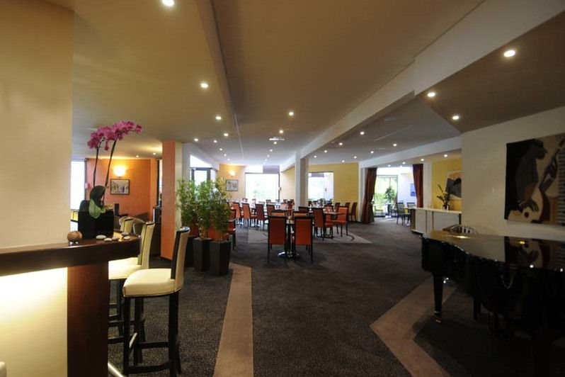 Best Western Plus Maurepas Saint-Quentin - Bar 2