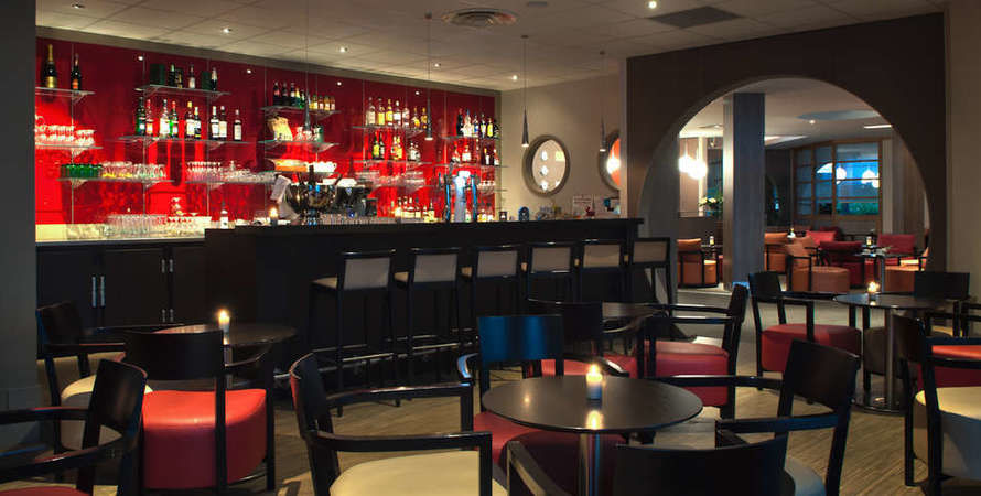 Best Western Plus Paris Val de Bièvre - Bar
