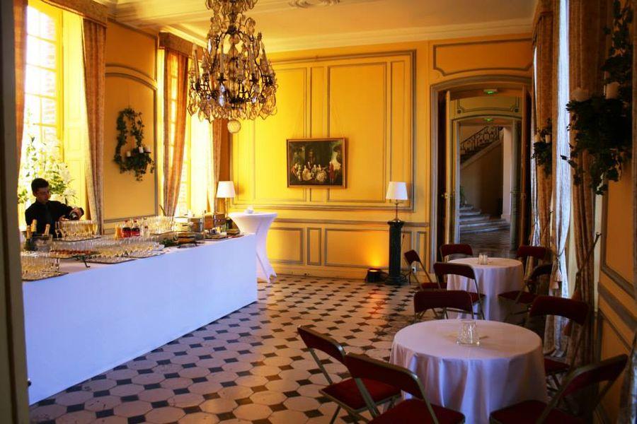Château de Neuville - La Salle à Manger d'Hiver 3