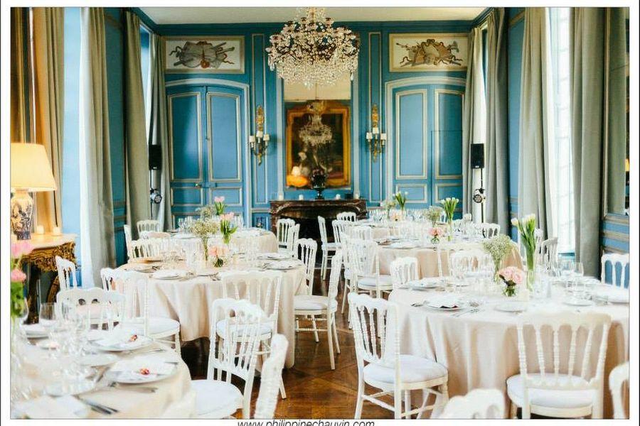 Château de Neuville - Le Salon Bleu 4