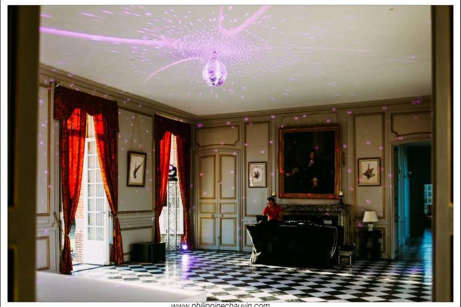 Château de Neuville - Le Grand Salon 3