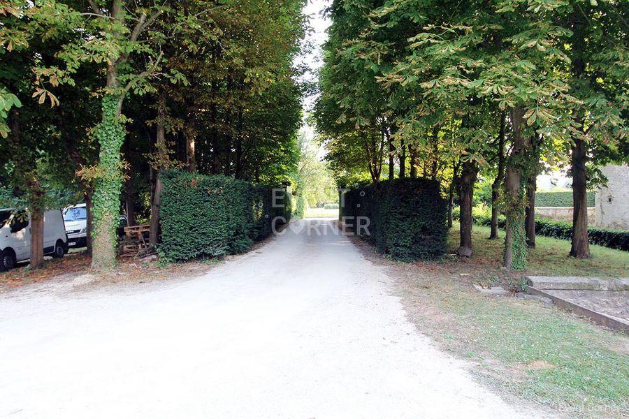 Château de la Cour Senlisse - Entrée voitures