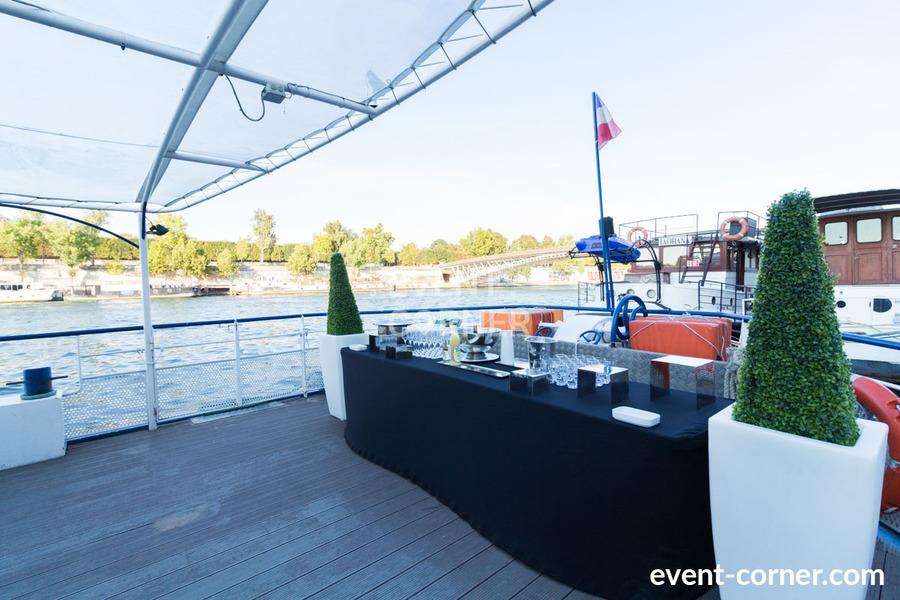 Péniche Le Buisonnier - Terrasse & Buffet 2