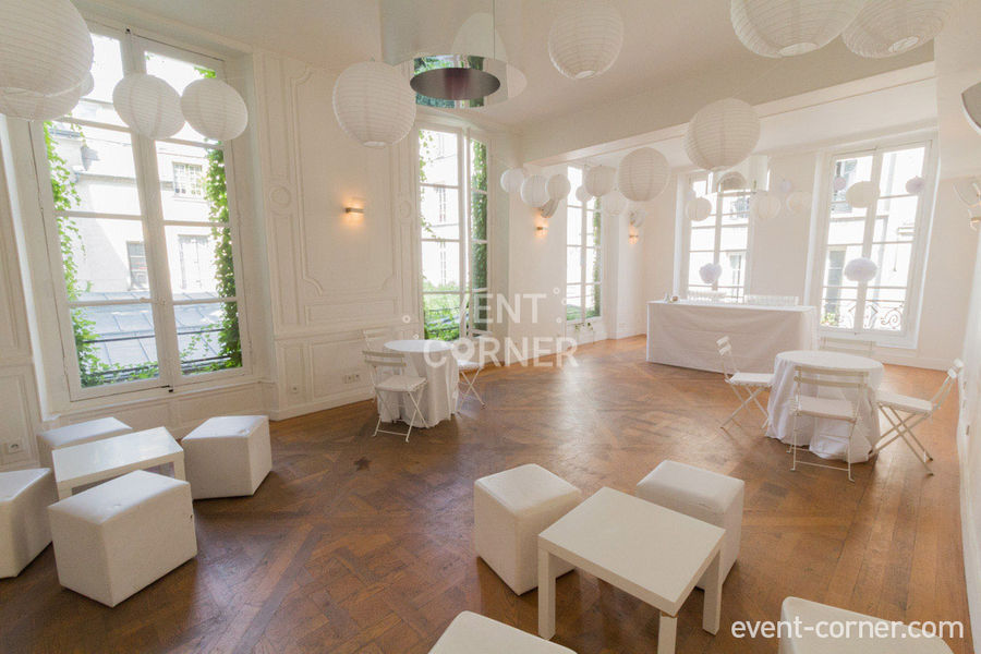 La Cour du Marais - Salon des archives 5