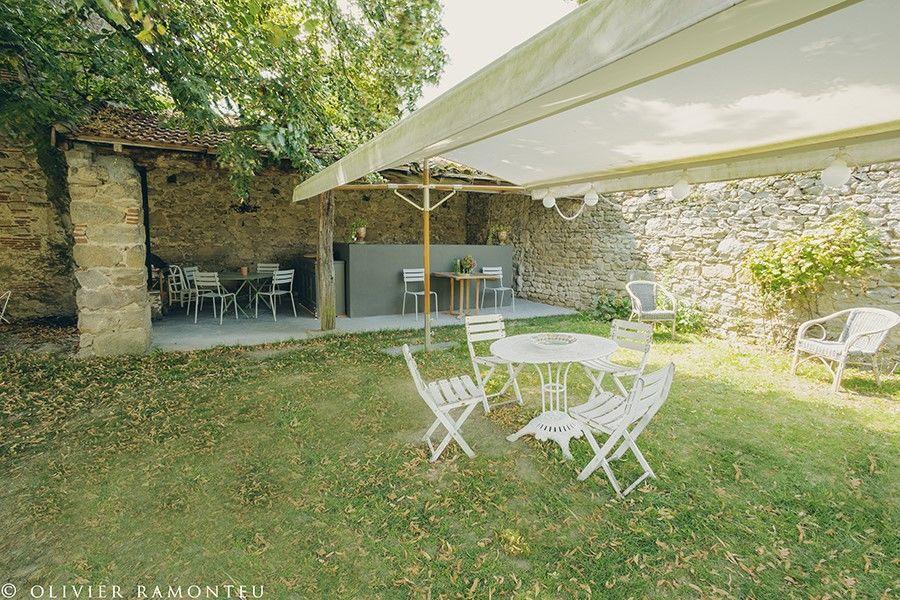 Domaine de Chassagny -  Tour Enceinte Sud Ouest & Cuisine d'Été