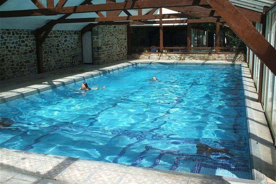 Domaine du Val - La piscine couverte
