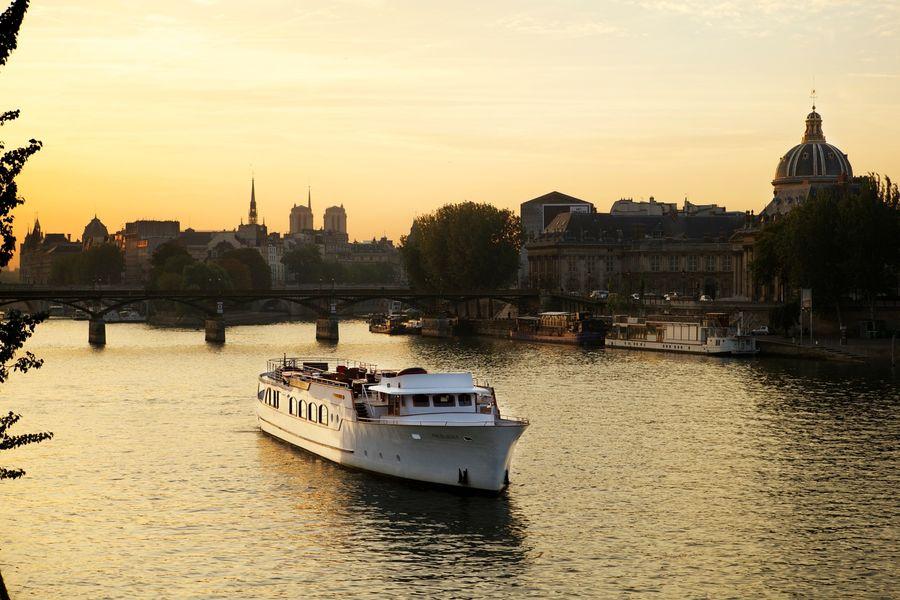 Yachts de Paris Excellence - Le Yacht 2