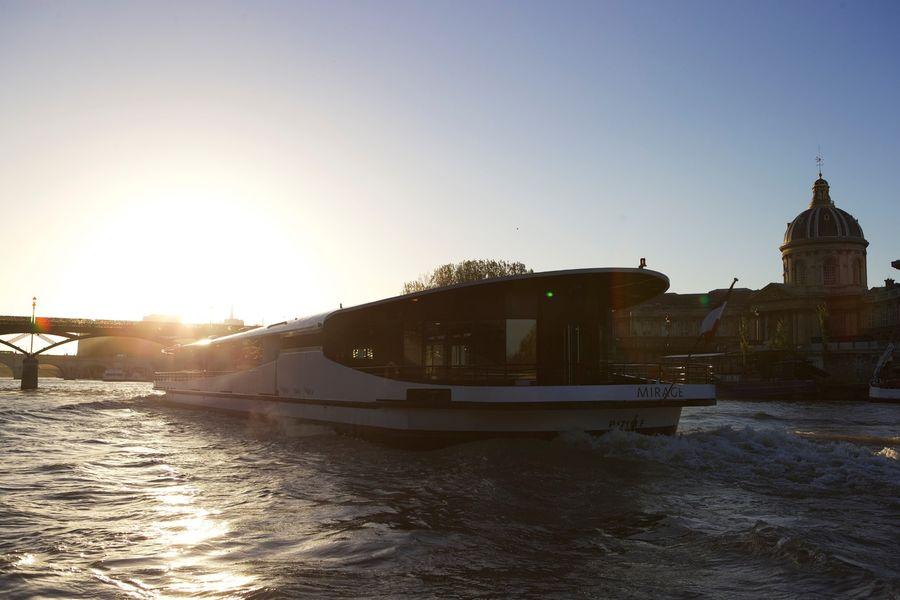 Yachts de Paris Mirage - Le Yacht 3