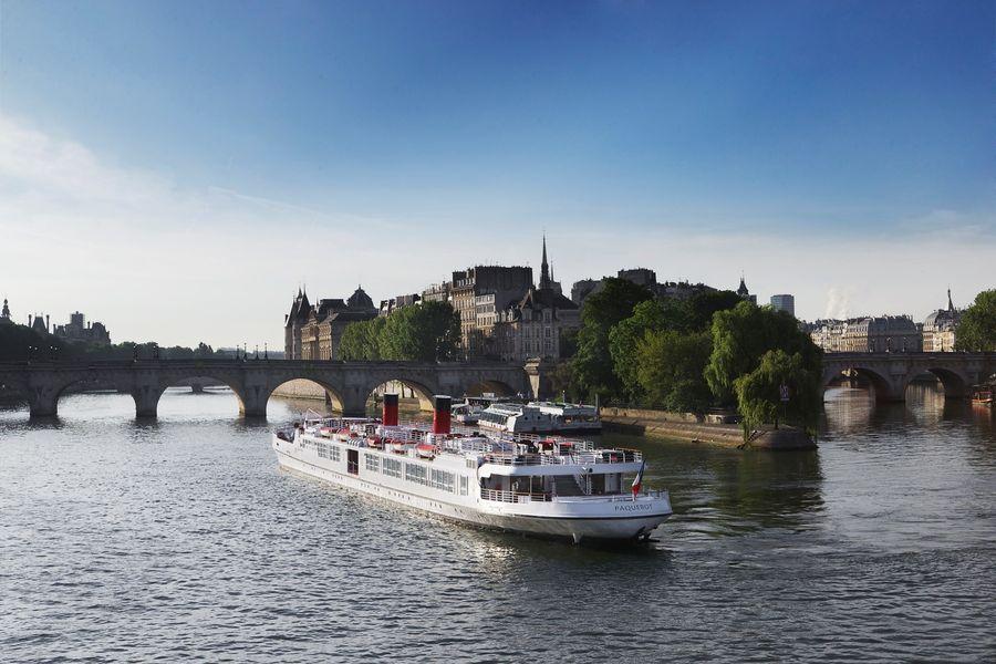 Yachts de Paris Paquebot - Le Yacht 3