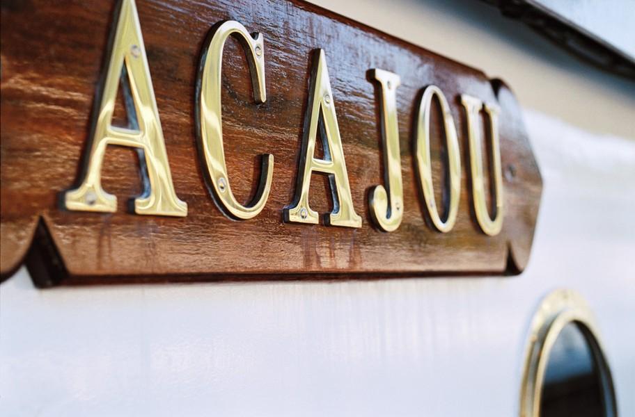 Yachts de Paris Acajou - Le Yacht 2