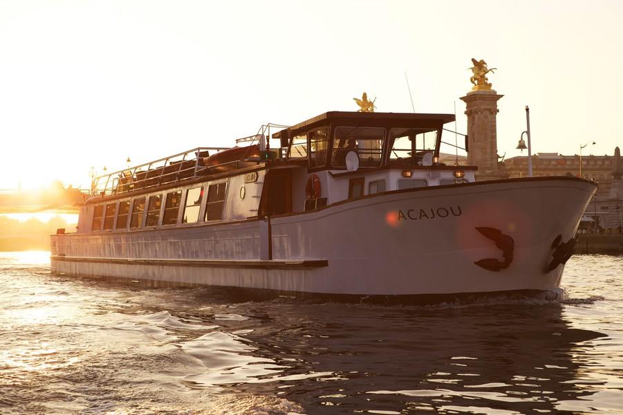 Yachts de Paris Acajou - Le Yacht 5
