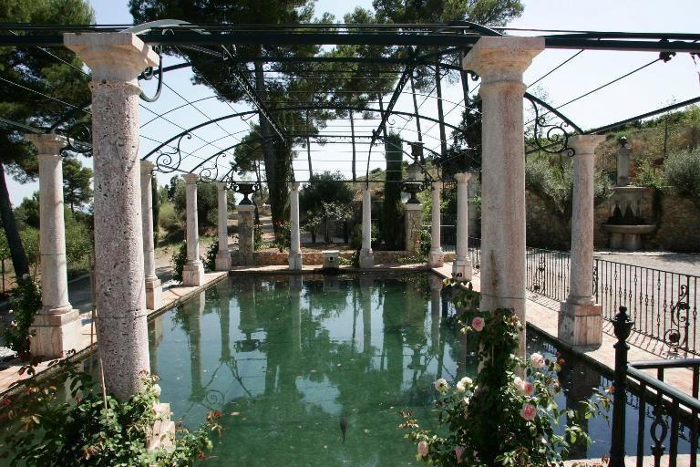 Chateau Font de Broc - Bassin d'Aphrodite  (2)