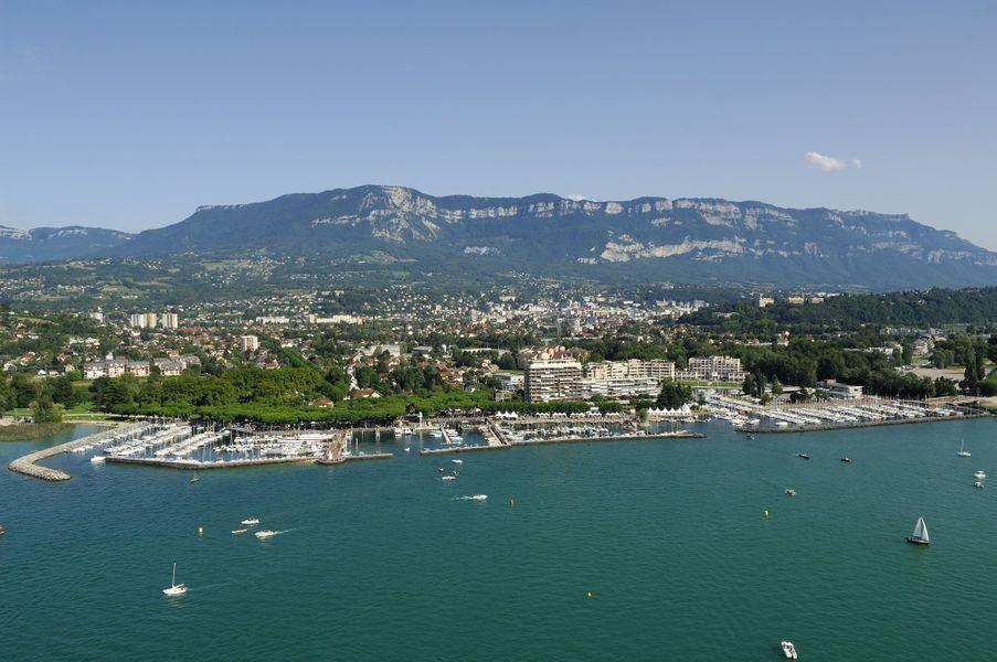 Casino Grand Cercle Aix les Bains - Aix les Bains et vue sur le Lac du Bourget