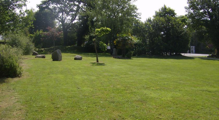 Breizh Hôtel - Le parc 2