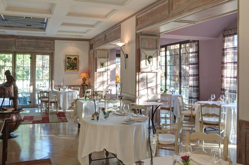 Auberge de noves hotel - Restaurant (1)
