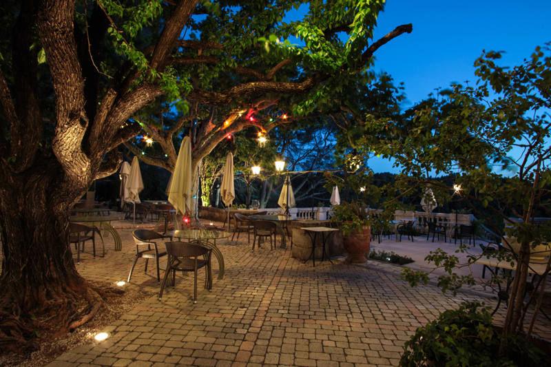 Auberge de noves hotel - Terrasse & Jardin (4)
