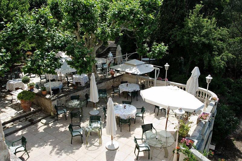 Auberge de noves hotel - Terrasse & Jardin (8)