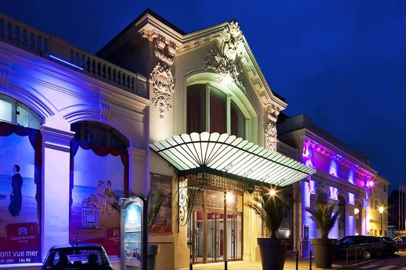 Adresse casino barriere dinard betsey johnson casino royale