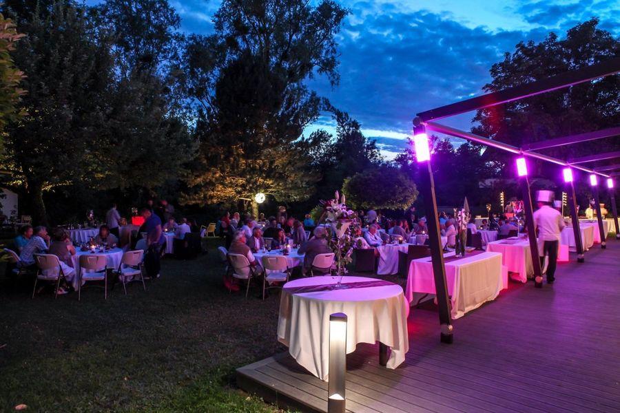 Hotel Restaurant Baud - Dîner en extérieur (1)