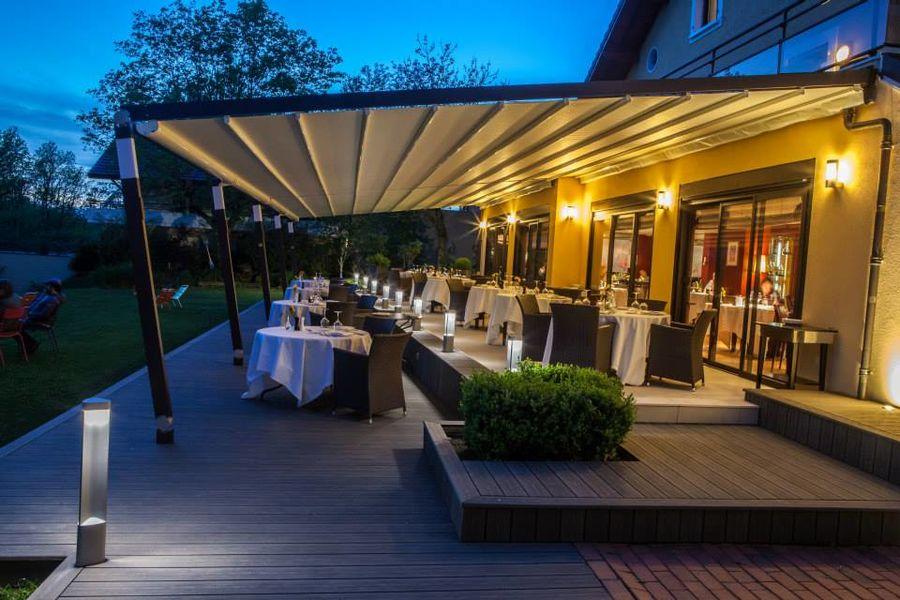 Hotel Restaurant Baud - La Terrasse de nuit