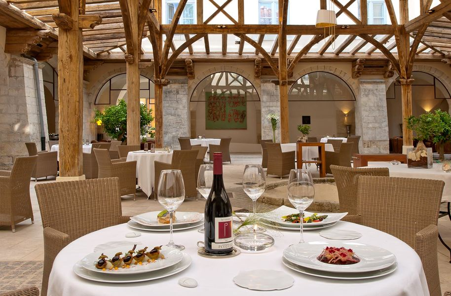 Le Couvent des Minimes Hotel spa - Restaurant (3)