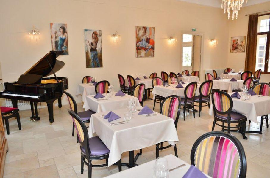 Chateau Talluy - Salle de Restaurant (1)