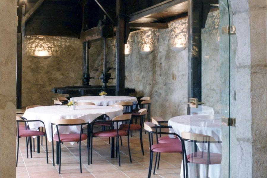 Chateau de Menthon Saint Bernard - Salle de réception (2)