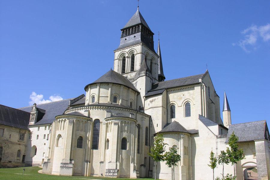 Abbaye Royale de Fontevraud - Vue extérieure 3