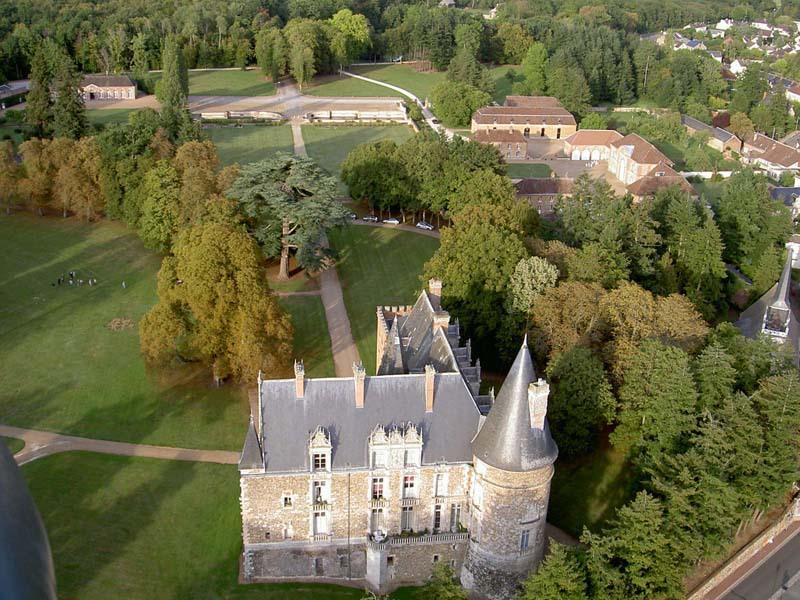 Chateau de Courtalain - vue aérienne du domaine