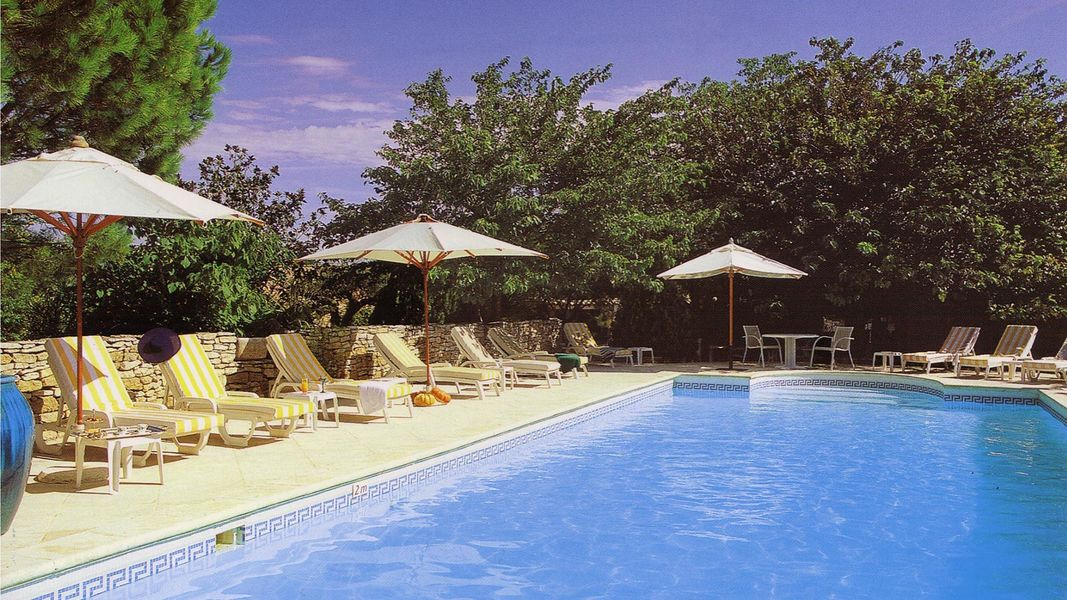 Hostellerie le Roy Soleil - Piscine (5)